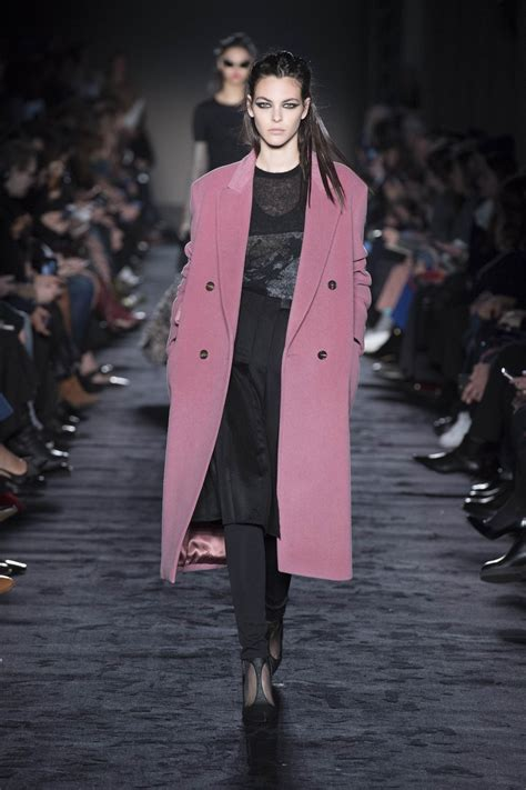 MAX MARA FALL WINTER 2018 WOMEN'S COLLECTION | The Skinny Beep